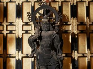 内陣に祀られている毘沙門天
